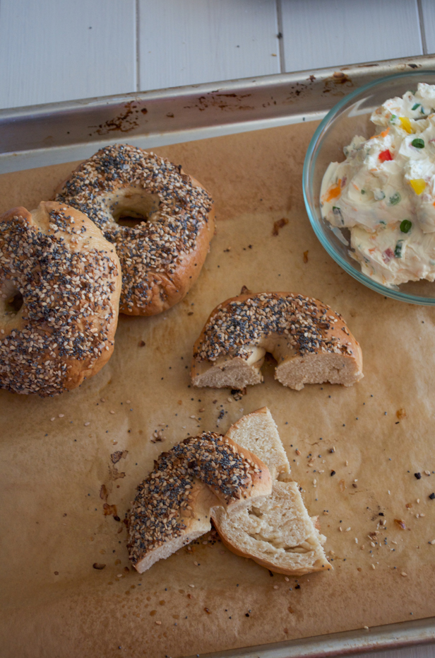 Homemade Bagels from www.sprinkledsideup.com
