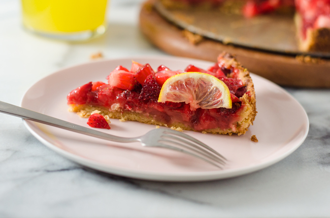 Strawberry and Lemon Tart from www.sprinkledsideup.com