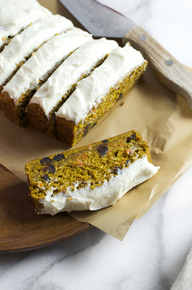 Pumpkin, Carrot and Fig Cake (quick bread) with quick cream cheese frosting from www.sprinkledsideup.com